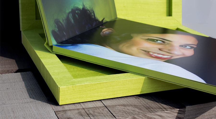 kleurrijke stijlvolle kwaliteits huwelijksalbum huwelijksfotograaf trouwalbum