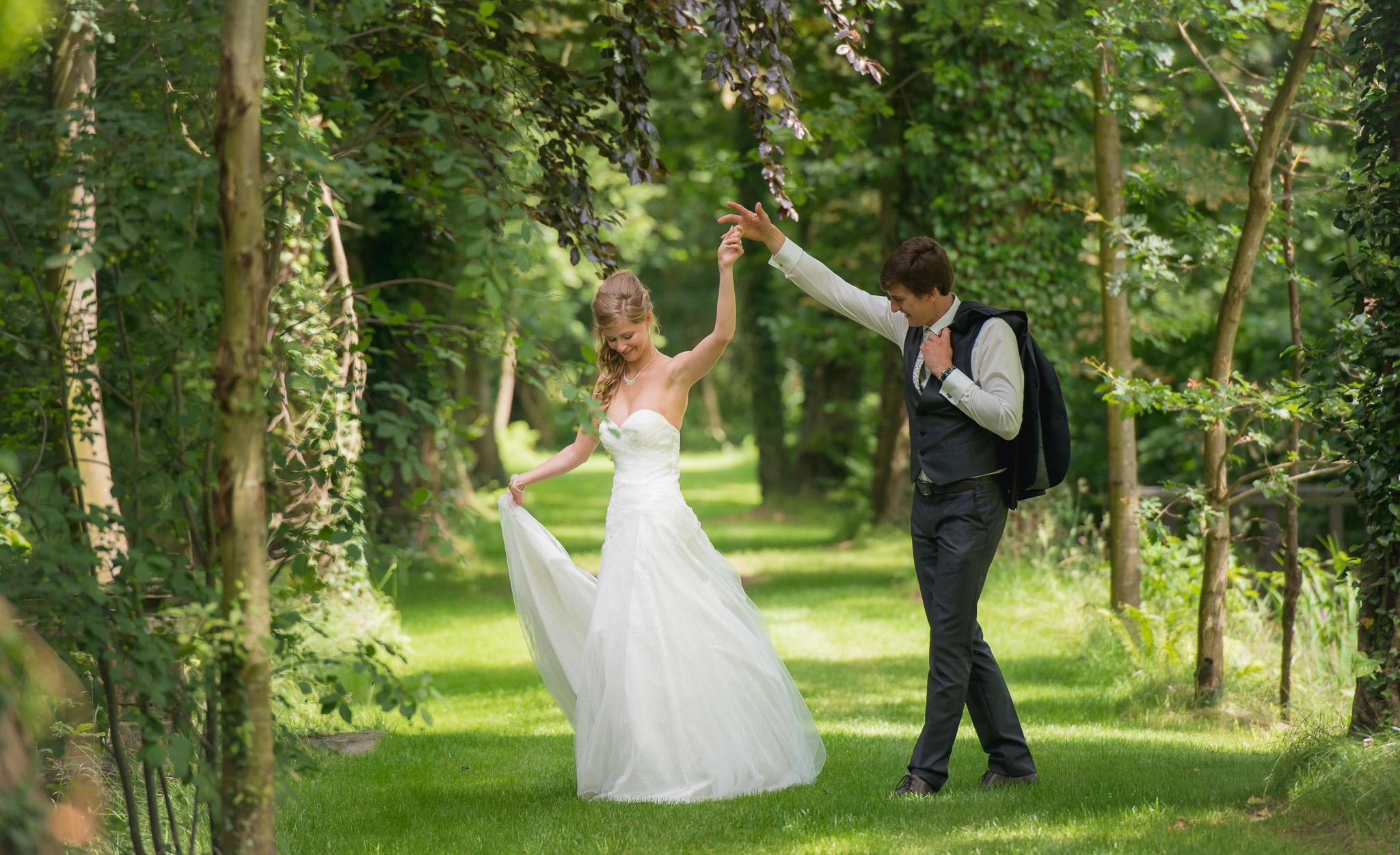 huwelijksfotograaf in stekene voor Yannick en Kimberley creatieve foto's op het domein 't meersdael feestzaal Moerbeke-Waas